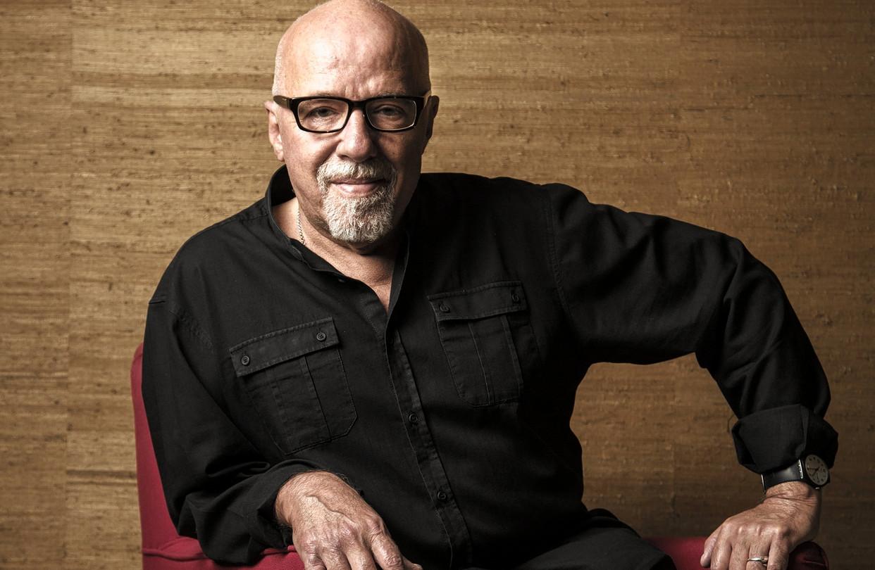 Paulo Coelho: Tiểu sử, sự nghiệp, tác phẩm nổi bật
